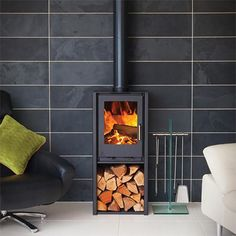 The newly improved, sleek and cutting-edge design of the iSeries makes these stoves perfect for the modern energy-concious household. Wood Burning Stoves Uk, Wood Burning Logs, Wood Burner Stove, Log Burner, Loft Design, Edge Design, Wood Fuel, Freestanding Fireplace, Urban Loft