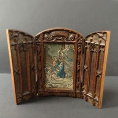 Catawiki online auction house: Travel Shrine - handcarved - beautifully small - Gothic - Wood