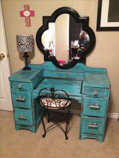 ► 17 DIY Vanity Mirror Ideas to Make Your Room More Beautiful - EnthusiastHomeVanity that I refurbished for my daughter!Look at this amazing vanity makeover! Refurbished desk and handmade DIY vanity m. Redo Furniture, Home Diy, Furniture Diy, Vanity, Diy Furniture, Diy Vanity, Repurposed Furniture, Refurbished Vanity, Home Decor