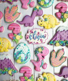 Girl Dinosaur Birthday, Girl First Birthday, Dinosaur Party, 3rd Birthday Parties, Birthday Ideas, Elmo Party, Elmo Birthday, Mickey Party, Third Birthday
