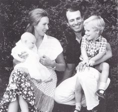 Princess Anne and Mark Philips with their kids Peter and Zara