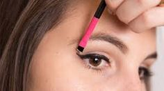 """Sharpen your cat-eye and cover any eyeliner mistakes with an angled brush dipped in concealer. This is much easier than removing it altogether and starting over completely. Product in this look: Prescriptives Camouflage Cream Concealer in """"Light Warm"""" How To Apply Concealer, Best Concealer, Concealer Palette, How To Apply Makeup, Cream Concealer, Korean Beauty Tips, Best Beauty Tips, Beauty Secrets, Beauty Hacks"""