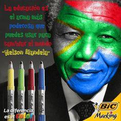 Hoy recordamos a Nelson Mandela y su lucha por la libertad.