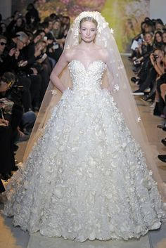 haute-couture-wedding-dresses-for-spring-2014-zuhair-murad::: Love full skirts and this one has a lot going on.