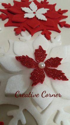 Addobbi natalizi in feltro, cristalli di neve del diametro di 13 cm ideali da appendere sul proprio albero di Natale e non solo..impreziositi da stelle di Natale in crepla glitter con mezze perle o...