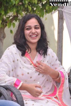 Nithya Menen, Actress Wallpaper, Cinema Actress, Telugu Cinema, South Indian Actress, Telugu Movies, Punjabi Suits, Indian Beauty, Indian Actresses