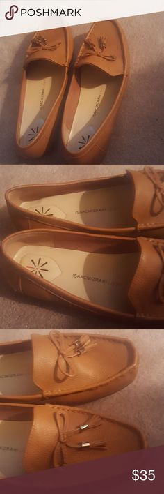 Never Worn Isaac Mizrahi Flats Size 10M Isaac Mizrahi Flats Size 10M  Amy style Light brown color Leather upper  Padded memory foam insole New in original box Isaac Mizrahi Shoes Flats & Loafers