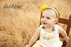 1 year photo shoot ideas | one year old photo shoot posing ideas (4)