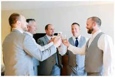 Groomsmen toasting before wedding ceremony | Pittsburgh wedding photographers