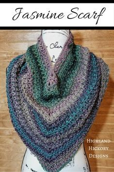 Crochet the beautiful Jasmine Scarf with this free pattern! Using only easy stitches. Is a cross between an infinity scarf and a triangle scarf. Crochet Scarves, Crochet Shawl, Free Crochet, Knit Crochet, Crochet Patterns For Beginners, Easy Crochet Patterns, Crochet Designs, Cowl Patterns, Crochet Tutorials