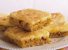 Bayou Brownies -- Don't think chocolate when you try these brownies. Instead, think pecans and a sweet cream cheese topping. Yellow cake mix makes the recipe extra easy and fast! Cajun Desserts, 13 Desserts, Delicious Desserts, Yummy Food, Sweet Desserts, Cake Mix Recipes, Best Cookie Recipes, Brownie Recipes, Dessert Recipes