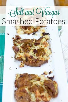 Add a little zing to an ordinary side dish by making Salt and Vinegar Smashed Potatoes. This easy recipe uses red potatoes and everyday ingredients. Potato Recipes, New Recipes, Favorite Recipes, Smashed Potatoes Recipe, Potato Bar, Slow Cooker Soup, Us Foods, Plant Based Recipes