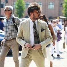 Want that tie! • #vintagetraders