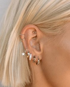 Bijoux Piercing Septum, Innenohr Piercing, Spiderbite Piercings, Orbital Piercing, Unique Ear Piercings, Ear Piercings Chart, Piercing Chart, Ear Peircings, Multiple Ear Piercings