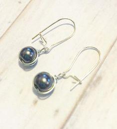 FREE SHIPPING! Grey Faux Pearl Silver WireWrapped Earrings for Women, Pearl Grey, Glass Pearl Earrings, Fashion Jewelry, Minimalist Earrings
