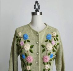 @Kathleen S Thorson : think you could pull this off? vintage cardigan