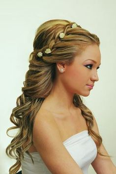 This would be a cute hair style for a wedding :)