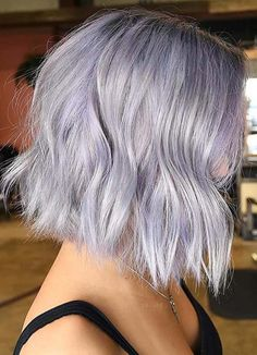 Are you searching for latest hair color shades to convert your bob looks more cute and attractive? There are so many ways for women to adopt for best bob hair looks to try nowadays. Inverted Bob Hairstyles, Hairstyles Haircuts, Pretty Hairstyles, Silvery Purple Hair, Lilac Grey Hair, Pelo Rasta, Lob Styling, Blonder Bob, Bobs For Thin Hair
