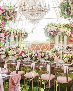 The flowers, the chairs, that chandelier, so pretty!  #weddinginspiration #munaluchibride #floraldesign | #Repost @casadeperrin ・・・ Gorgeous wedding this past weekend at @montagelaguna with @blissproductions @squarerootdesigns @wildflowerlinen @classicpartyoc  Featuring our 24k #Gold #Versailles Glass Chargers + White #Botanicals Collection #Vintage China + 24k Gold Rondo Flatware + Early American Pressed Glass and Vintage Pink Goblets + Vintage Champagne Coupes : @lanedittoe #fashio...