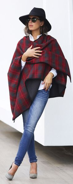# Trends Of Fall Apparel Tartan Ponchos poncho Red And Black poncho Clothing poncho 2014 poncho Outfits poncho How To Style Fall Winter Outfits, Autumn Winter Fashion, Autumn Style, Look Fashion, Womens Fashion, Fashion Trends, Fashion Bloggers, Fashion Outfits, Vetements Clothing