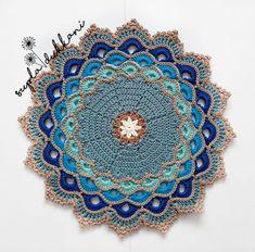 Crochet Table Runner Pattern, Crochet Placemats, Crochet Bunting, Crochet Rug Patterns, Crochet Mandala Pattern, Crochet Basket Pattern, Bead Crochet, Crochet Squares, Crochet Designs