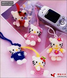 Baby favor: hello kitty amigurumi key chains, free crochet patterns : the charts are in Japanese ( I think) but easy enough to figure out...how cute!!