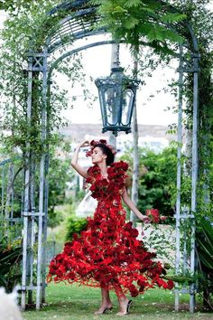 I love floral fashion design and this is just gorgeous <3