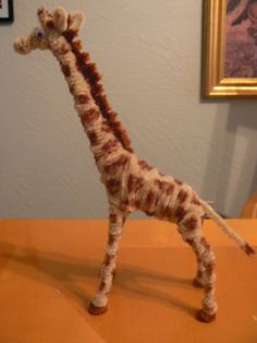 Giraffe Pipe Cleaner Projects, Pipe Cleaner Art, Pipe Cleaner Animals, Pipe Cleaners, Summer Camp Crafts, Rainy Day Crafts, Camping Crafts, Teddy Bear Crafts, Diy Pipe