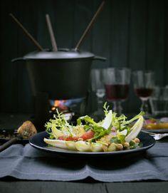 Fondue Bourguignonne Chutneys, 5 2 Diet, Fondue Party, Fondue Recipes, I Foods, Love Food, Salads, Food And Drink, Yummy Food