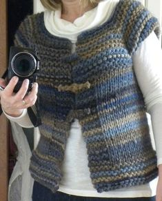 Oh ! la la … (continuation and end) – Bergamot and Lemon – Knitting patterns, knitting designs, knitting for beginners. Chunky Knitting Patterns, Knitting Stitches, Knitting Designs, Free Knitting, Cardigan Fashion, Knit Fashion, Girls Knitted Dress, Knit Vest Pattern, Quick Knits