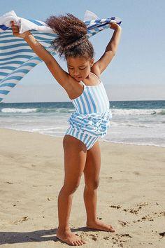 Little Girl Bikini, Little Girl Swimsuits, Baby Bikini, Cute Young Girl, Cute Little Girls, Toddler Beach, Toddler Girls, Toddler Swimsuits, Striped One Piece