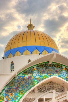 Melaka Straits Mosque (Masjid Selat Melaka), Malasia