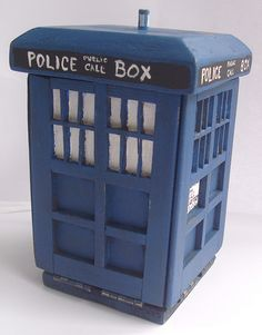 Dr Who sewing kit! I want one!!