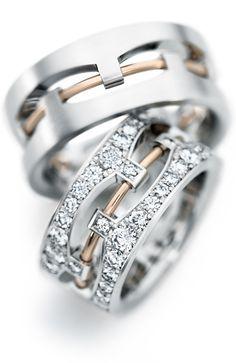 Ouro Branco + Diamantes + Ouro Rosè = Lindo e inovador par de alianças.