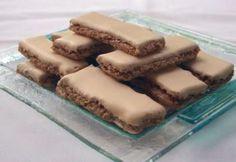 Diós csemege   NOSALTY Tiramisu, Gluten Free, Sweets, Cookies, Ethnic Recipes, Dios, Biscuits, Caramel, Glutenfree