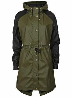 RAINNY RAINCOAT, Ivy Green | #VILAClothes #VILA #Clothes #Fashion #Style #Beauty #Basic #Jackets #raincoat