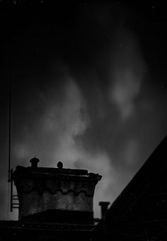 The poor bird in the rain, Lucian Olteanu, Photographie, Numérique Construction, Romania, Northern Lights, Places, Nature, Image, House, Painting, Ideas