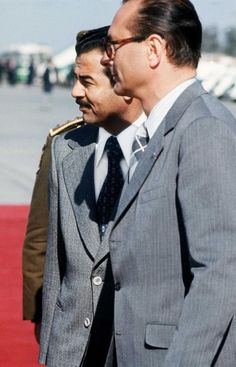President Saddam Hussein with French Prime Minister Jacques Chirac Saudi Arabia Prince, Iraqi President, Saddam Hussein, Adventure Magazine, Baghdad Iraq, Bagdad, Sumerian, Muslim, Presidents