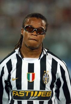 Edgar Davids - Juventus And the only player to have FIFA dispensation to wear sunglasses - l Football Icon, Best Football Players, Sport Football, Soccer Players, Football Kits, Ronaldo Football, Juventus Players, Juventus Fc, Edgar Davids