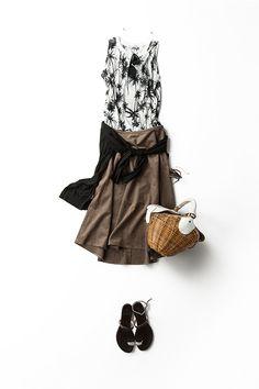 夏の終わりに着る 黒、白、ブラウンのベーシックな配色2015-08-12 | skirt price :14,040 brand : ELFORBR