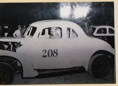 Bud Graham's backup car, not his normal 28. When Bud wasn't using this car, friends Fran Tietze or Terry Glosser drove it.