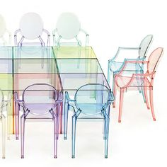 Buy the Louis Ghost Chair by Kartell designed by Philippe Starck and find Kartell chairs at Smart Furniture Lucite Furniture, Acrylic Furniture, Smart Furniture, Furniture Design, Philippe Starck, Sillas Louis Ghost, Nursery Glider Chair, Ghost Chairs, Kartell