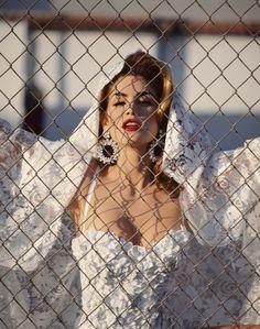 Vanity Fair, 1992  Photographer : Michel Comte  Model : Cindy Crawford