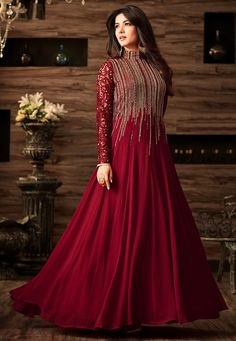 Looking to buy Anarkali online? ✓ Buy the latest designer Anarkali suits at Lashkaraa, with a variety of long Anarkali suits, party wear & Anarkali dresses! Indian Gowns Dresses, Pakistani Dresses, Indian Outfits, Pakistani Suits, Abaya Fashion, Indian Fashion, Fashion Dresses, Style Fashion, Fashion Women