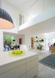 Cargo Container House Design Features Bright Home Interiors in Contemporary style-the inside(2)
