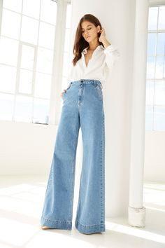 Women Casual Jeans Outfit Red Jeans High Waisted Trousers Women 2019 Casual Fashion Casual Jeans Casual Clothes For Girls Smart Casual Outfits For Ladies Smart Casual Outfit, Casual Jeans, Jeans Style, Casual Clothes, Casual Outfits, Outfit Jeans, Mode Outfits, Jean Outfits, Wide Leg Jeans