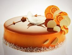 Chocolat lactée caramel, coco, mangue orange, cake