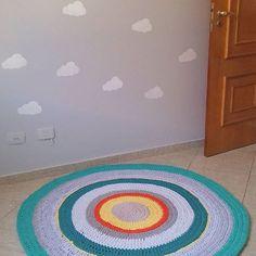 Prontinho o tapete novo para o quarto dos meus meninos ....1,40 m Encomendas pelo WhatsApp (11) 9-7974-8100  #tapetedefiodemalha #tapetes #tapetedecroche #fiodemalha #crochet #crochetaddict #handmade #diydecor #diydecoração #feitoamao #trapillo #trapilho #decoracaoalternativa #decoracao #decor #decoration #arquitetura #mandala #quartoinfantil #kidsroom #nursery #quartodemenino #tapeteinfantil #handmadecrochet #presentes #artesanato