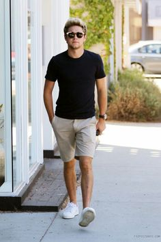 Niall basically out modeling in West Hollywood recently