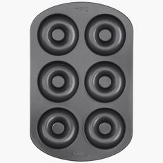 Wilton 6-Cavity Doughnut Pan  €9,95